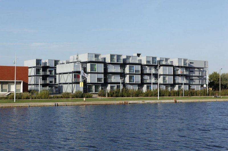Cit A Docks Student Container Housing By Cattani Architects: metal piers for housing